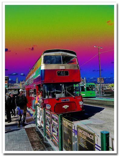 Buss solariserad med färgkurvor