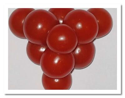 Leka med maten :-) Tomatpyramid