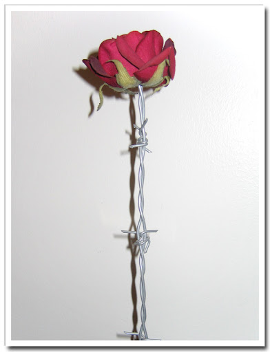 Konstgjord ros