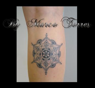 tatuajes_tattoo_tatuaje_flores_flor+lotus_flor+de+lotu_lugo_españa ...