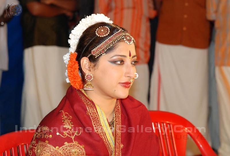 Lakshmi Gopalaswami: South Indian Cinema Actress: Laskshmi Gopalaswamy In Dance