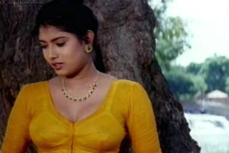 South Indian Cinema Actress Top Mallu Aunties Hot Clevage Show