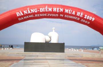 Công viên biển Phạm Văn Đồng