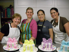 Bow cake workshop.