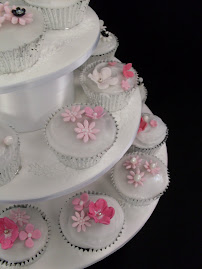 Wedding cupcake class.