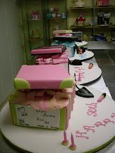Shoe and shoe box cake workshop.