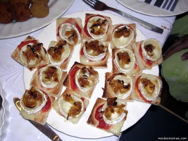 Secretos de familia canap s de queso de cabra con cebolla for Canape queso de cabra