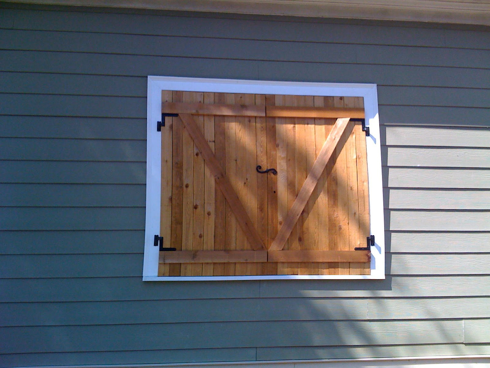 Project 181 shutters for security and air funneling for How to make shutters from pallets
