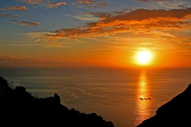 ***   Crepúsculo no Oceano  ***