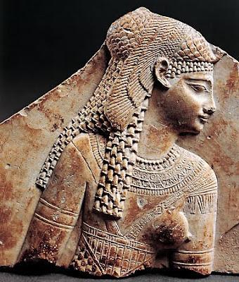 http://1.bp.blogspot.com/_P3BvaDvVAyk/TH6i64xJV9I/AAAAAAAAD2U/ocsRROmDu78/s400/cleopatra+fragmento.jpg