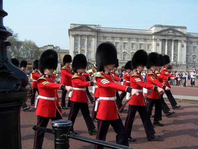 buckingham palace guards4 - Buckingham Palace Guards