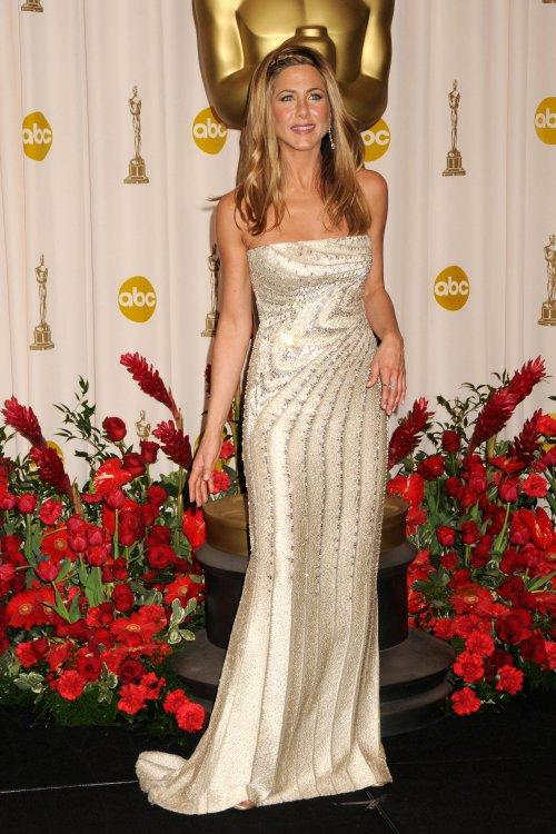 Jennifer Aniston Fashion Style. Fashion force at jennifer