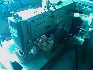 mesin lubang kancing merek juki