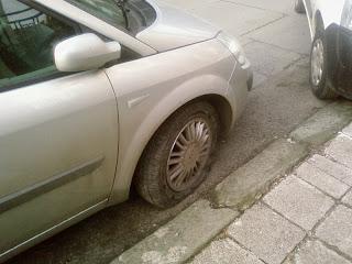 а една нощ нарязаха гумите на 8 коли в Исперих