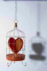 El hombre en su esencia no debe ser esclavo, ni de sí mismo, ni de los otros, si no un amante.