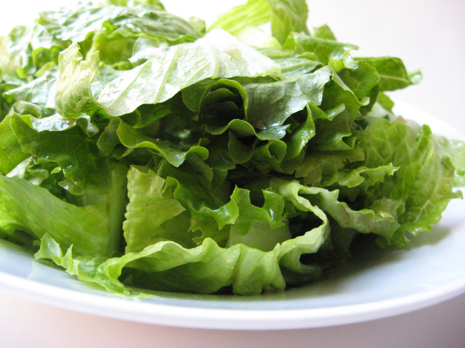 she's in the kitchen: Fluffy Green Salad
