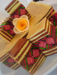 kek lapis Barangkali harga dr rm30 to rm150..gula, holicks ,susu & kaya