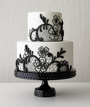 Black Love Picture on Love Birds   Daily Wedding Inspiration  Black And White Wedding Cakes