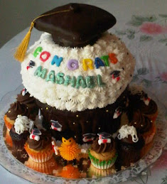Giant Cupcake - Graduation Theme