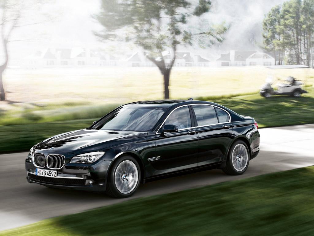 http://1.bp.blogspot.com/_PFpVg5MxasU/TUPX11zhlPI/AAAAAAAAA0s/N_Yf9FXu1tQ/s1600/BMW_7series_sedan_09.jpg