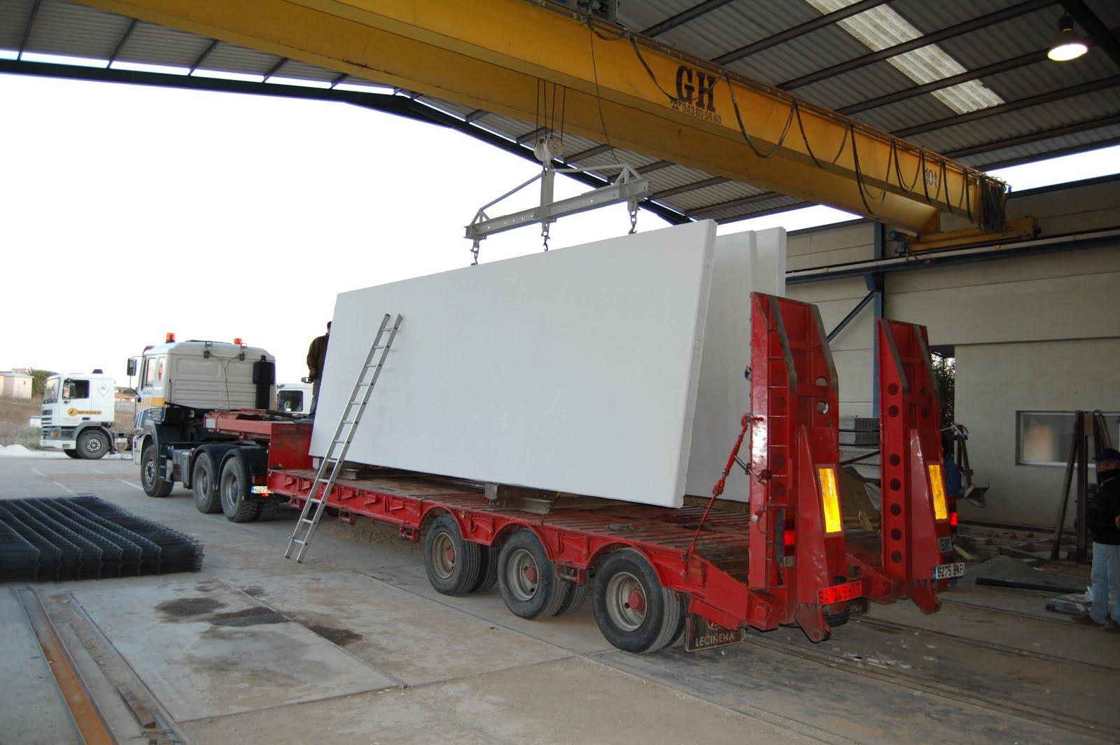 Paneles prefabricados fotos transporte placas for Prefabricados de hormigon precios