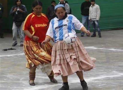 Damas en Guatemala sudan la