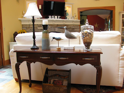benedetina Sofa Table Decorating Ideas