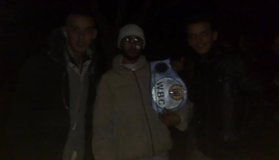 الملك إدريس الأزرق بطل منظمة الملاكمة العالمية لوزن الريشة