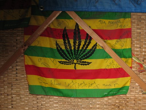 DRAP RASTAFARI & SMOKING