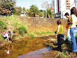 Campo de Hidrologia no Córrego Cercadinho - BH/MG