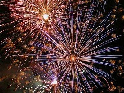 [fireworks-show-20.jpg]