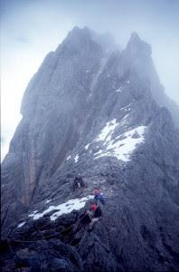 puncak Jaya Wijaya di http://unik-qu.blogspot.com/