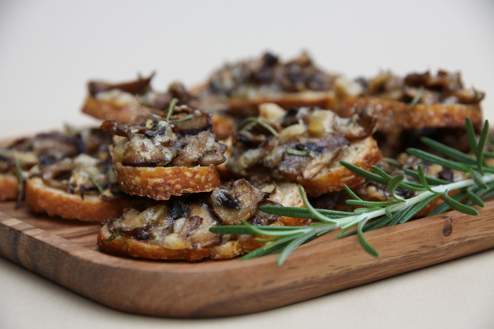 Mushroom Crostini Recipe — Dishmaps