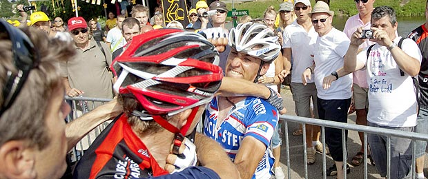 [Image: tourdefrance-fight.jpg]