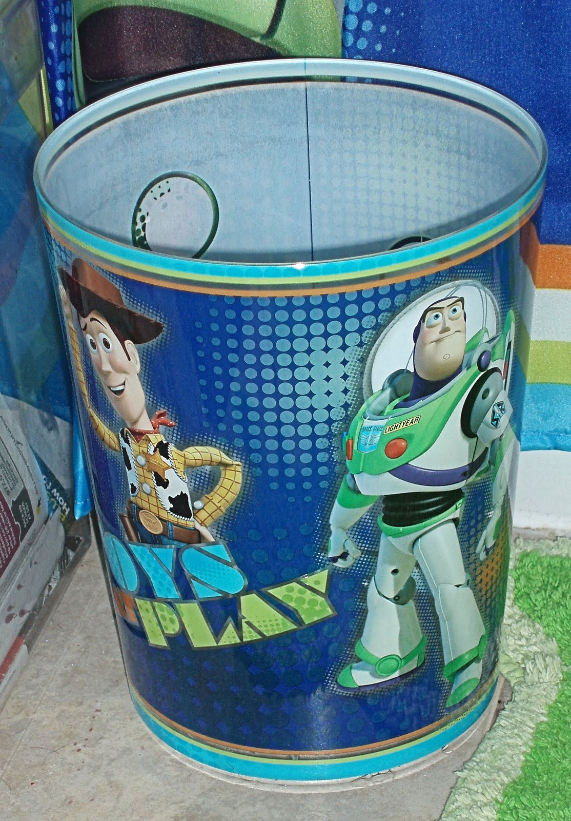 And as you can see  I not only got the shower curtain with Woody and Buzz   I also got the Pizza Planet alien bath rug and the matching trash can. Jeraine Root s Blog  Toy Story Bathroom