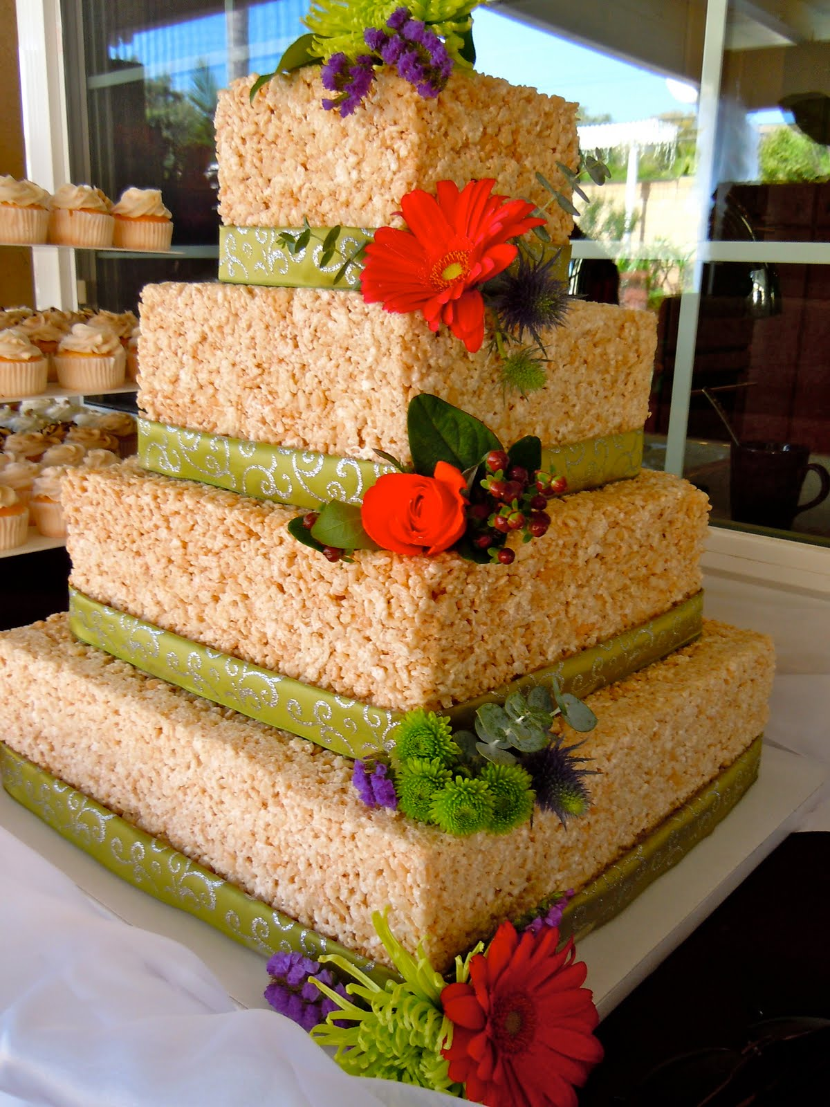 Rice Krispie Wedding Cake, My favorite wedding cake of all time ...