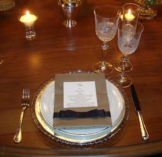 4 Detalhes de uma mesa AMARELA...!