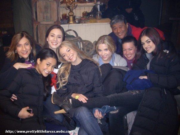Pretty little liars on set photos pretty little liars tv show 12867918