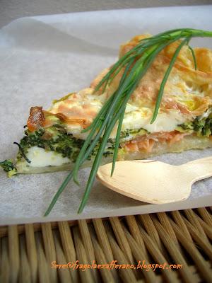torta salata con barba di frate, salmone e scamorza affumicata
