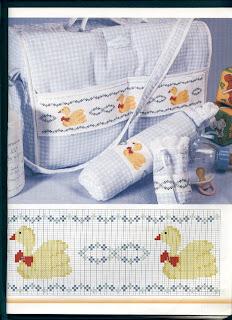 bolsa de viaje para bebe en punto de cruz bordado con