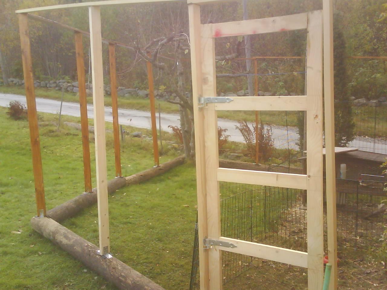 Borra hål i marken. staket i hönsnät, hjälp med tips.   sida 2
