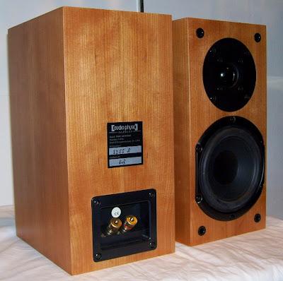 Ultimate Sound: Audio Physic Yara Monitor Bookshelf ...