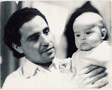Luis Fernando Gallardo Rangel (Mi papa cargándome hace 33 años)