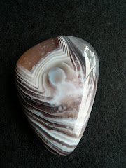 Banded Agate - Buddha&#39;s Silhouette