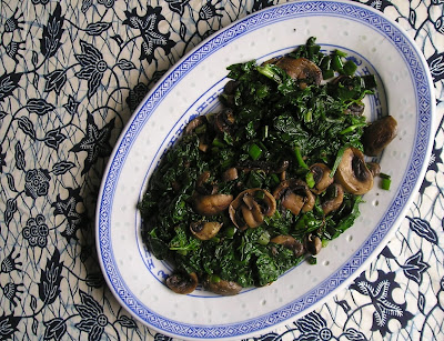 Spinach Sauteed with Mushrooms and Green Onions