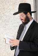 At the mikveh, Weiss touched his penis to the boys buttocks, states the indictment.