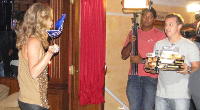 Angélica prepara festa surpresa para Luciano Huck  TV e Jornal