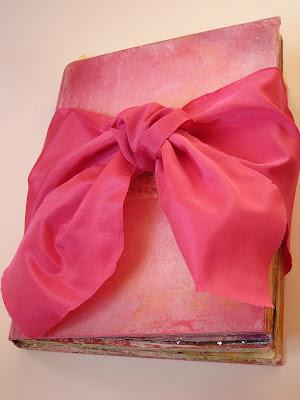 http://1.bp.blogspot.com/_PXu7TITz0xw/Sa8I0buuRZI/AAAAAAAACp0/pydKIaPP3nE/s400/Elizabeth+big+book+004.JPG