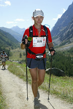 UTMB 2009 - climbing in the Italian sun