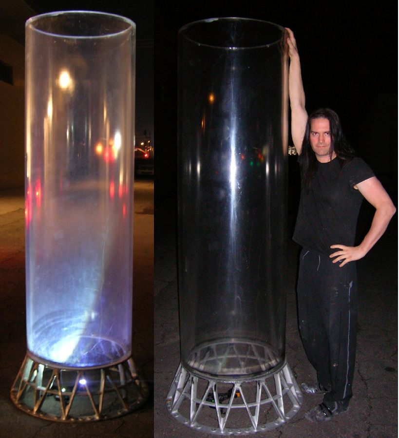Giant Aquariums: Very Large,Massive, clear plexiglass tube ...